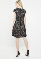 Vero Moda - Jackie capsleeve fit and flare dress - black