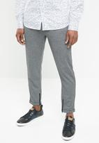 Selected Homme - Alex tapered fit trousers - grey