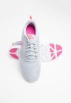 Nike - Flex essential - wolf grey/laser fuchsia-pure platinum