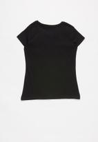 GUESS - Teens short sleeve faded heart guess tee - black
