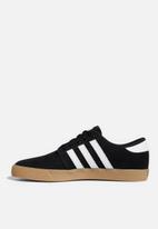 adidas Originals - Seeley - core black/ftwr white/gum