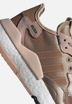 adidas Originals - NITE JOGGER W - copper met./vapour pink/core black