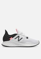 New Balance  - Future sport - white & pink