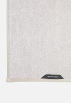 Linen House - Plush bath sheet - oatmeal