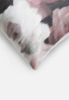 Grey Gardens - Velvet rose cushion cover - rose