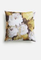 Grey Gardens - Velvet rose cushion cover - ochre