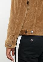 Superbalist - Corduroy full lined sherpa trucker jacket - tan