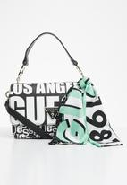 GUESS - Analise crossbody flap - black & white