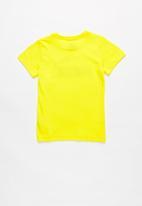 PUMA - Ess logo tee blazing - yellow
