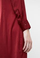 Superbalist - Twist front 70s dress - burgundy