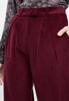 Superbalist - Cord tapered trouser - burgundy