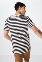 Cotton On - Tbar premium short sleeve tee - white & black