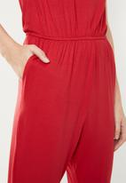 c(inch) - Easy fitting jumpsuit - red
