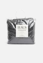 Hertex Fabrics - Panther faux fur throw - charcoal