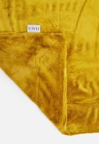 Hertex Fabrics - Panther faux fur throw - yellow