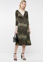 Superbalist - Wrap over midi dress - black & taupe