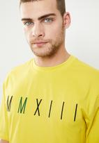 Only & Sons - Ladd short sleeve oversized tee - yellow
