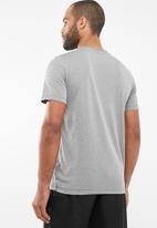 PUMA - Active logo tee - grey