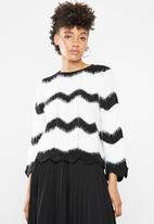 ONLY - Hania 7/8 pullover knit - black & white