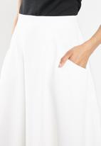 STYLE REPUBLIC - Fit and flare midi skirt - white