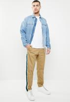 Jack & Jones - Ace regular fit side stripe pants - beige