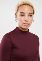 c(inch) - Fit and flare turtleneck dress - burgundy