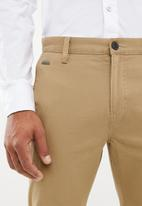GUESS - Carter twill chino pant-bom - brown