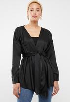 Missguided - Plunge tie waist blouse - black