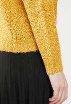 Jacqueline de Yong - Bucca pullover knit - yellow