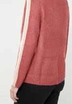 Jacqueline de Yong - Delta 7/8 V-neck pullover knit - pink