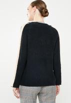 Jacqueline de Yong - Delta 7/8 V-neck pullover knit - navy