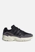 adidas Originals - YUNG-96 - core black/core black/off white