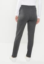 Jacqueline de Yong - Terra ankle sweat pant - grey