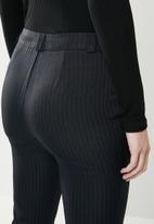 edit - Classic ankle grazer pants - navy
