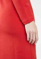 edit - Pleated shift dress - red