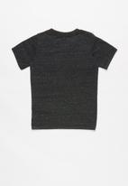 Nike - Nkb futura nep short sleeve tee - black