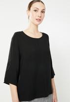 ONLY - Nine 3/4 sleeve top - black