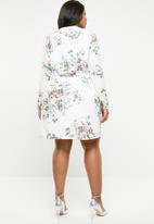 Missguided - Curve wrap front floral mini dress - multi