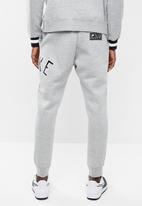 Nike - M nsw nike air pant flc - grey