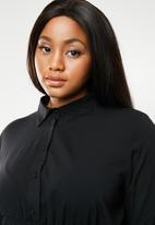 AMANDA LAIRD CHERRY - Bontle shirt dress - black