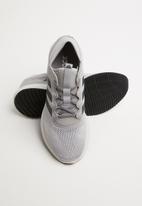 adidas Performance - Edge flex m - grey