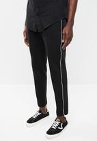 Superbalist - Tapered pintuck,piping cropped sweatpants - black