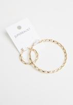 Superbalist - Helena mismatched earrings - gold