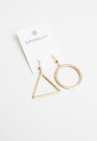Superbalist - Treacey mismatched earrings - gold