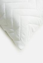 Sheraton Textiles - Quilted pillow protector