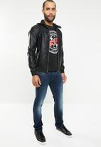 GUESS - Guess graphic tee - black