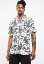 Only & Sons - Pilas tiger viscose shirt - white