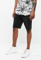 Only & Sons - Aged stripe shorts - black