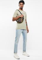 Cotton On - Tbar short sleeve urban tee - beige