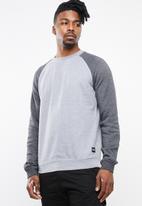 Hurley - Crone crew neck sweater - grey